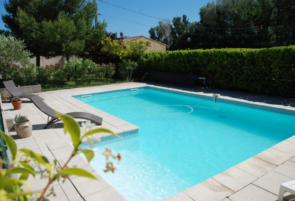 bed and breakfast near Avignon in Provence swimming pool